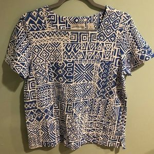 Alfred Dunner blue & white print top. Size Small.